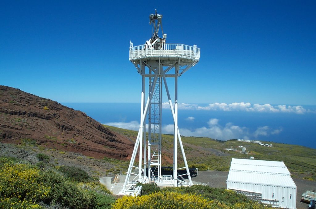 Dutch Open Telescope on La Palma, credits: astronomie.nl and Rob Hammerschlag.